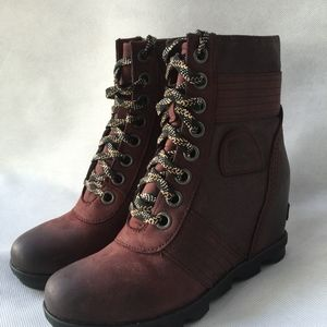 b7e33f0e2c3 Sorel Shoes - WOMEN S LEXIE™ WEDGE BOOT